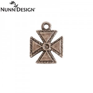 Κρεμαστό Nunn Design - Patee Cross Charm - 20mm - Antique Silver